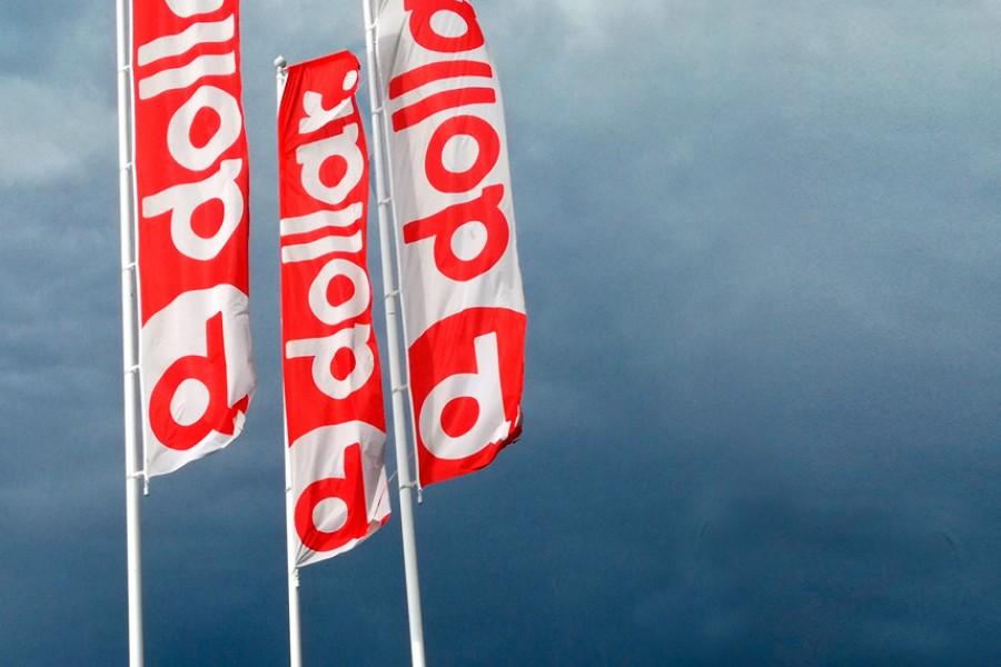 Tipos de banderas publicitarias y sus diferentes usos